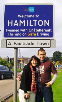 Hamilton e Renata em Hamilton City - Foto tirada por Betty Scotland